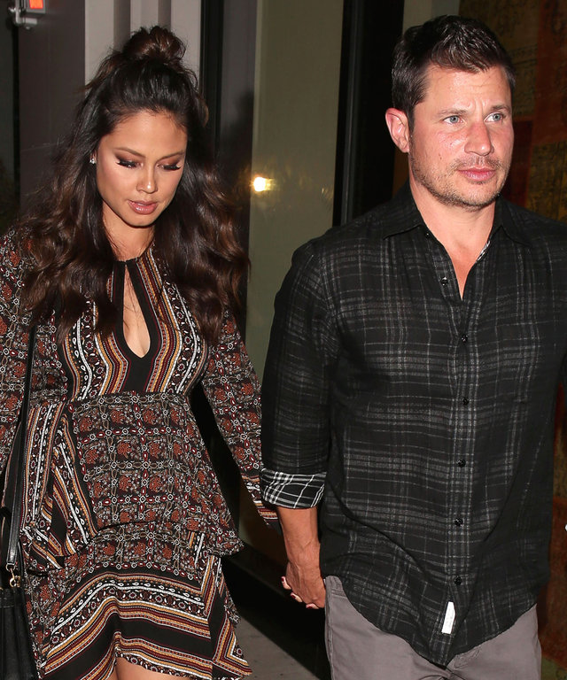 West Hollywood, CA - West Hollywood, CA - Nick Lachey and his pregnant wife Vanessa hold hands as they arrive for a dinner date in West Hollywood. AKM-GSI 12 OCTOBER 2016
