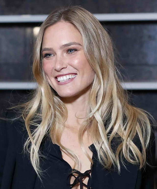 SOCHI, RUSSIA - OCTOBER 10: Model Bar Refaeli, the global MARTINI Race ambassador attends at Martini Pre-rice Cocktail At Terrazza Martini on October 10, 2015 in Sochi, Russia.  (Photo by Gennadi Avramenko/Epsilon/Getty Images)