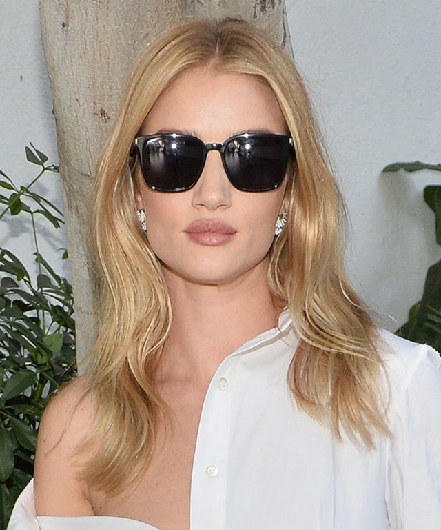 LOS ANGELES, CA - OCTOBER 26: Model Rosie Huntington-Whiteley at the CFDA/Vogue Fashion Fund Show and Tea presented by kate spade new york at Chateau Marmont on October 26, 2016 in Los Angeles, California. (Photo by Stefanie Keenan/Getty Images for CFDA