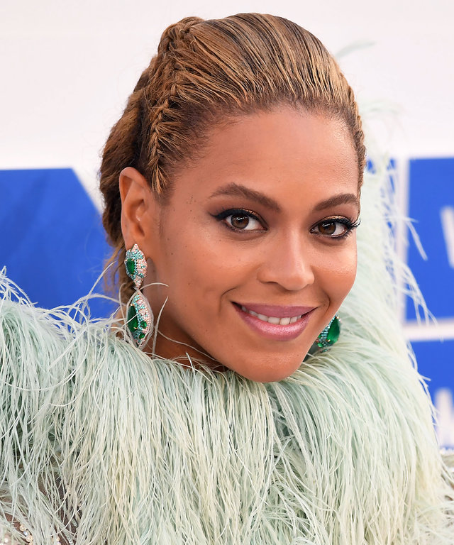 NEW YORK, NY - AUGUST 28:  Recording artist Beyonce attends the 2016 MTV Video Music Awards at Madison Square Garden on August 28, 2016 in New York City.  (Photo by C Flanigan/FilmMagic)