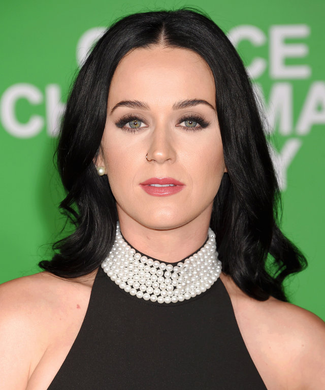 WESTWOOD, CA - DECEMBER 07: Singer-songwriter Katy Perry arrives at the Premiere Of Paramount Pictures' 'Office Christmas Party' at Regency Village Theatre on December 7, 2016 in Westwood, California. (Photo by Jeffrey Mayer/WireImage)