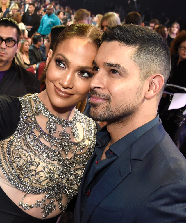 LOS ANGELES, CA - JANUARY 18:  Entertainer Jennifer Lopez (L) and actor Wilmer Valderrama  onstage during the People's Choice Awards 2017 at Microsoft Theater on January 18, 2017 in Los Angeles, California.  (Photo by Kevin Mazur/WireImage)