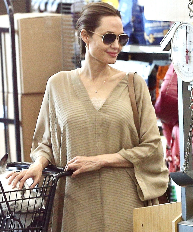 Angelina Jolie caftan outfit