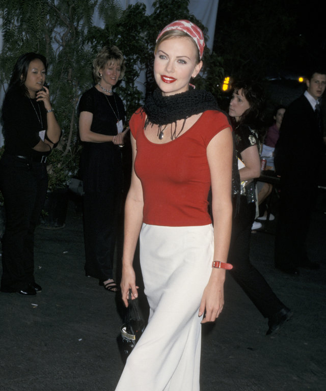 Charlize Theron at the 2000 Hollywood Bowl Hall of Fame Honoring Garth Brooks and John Williams