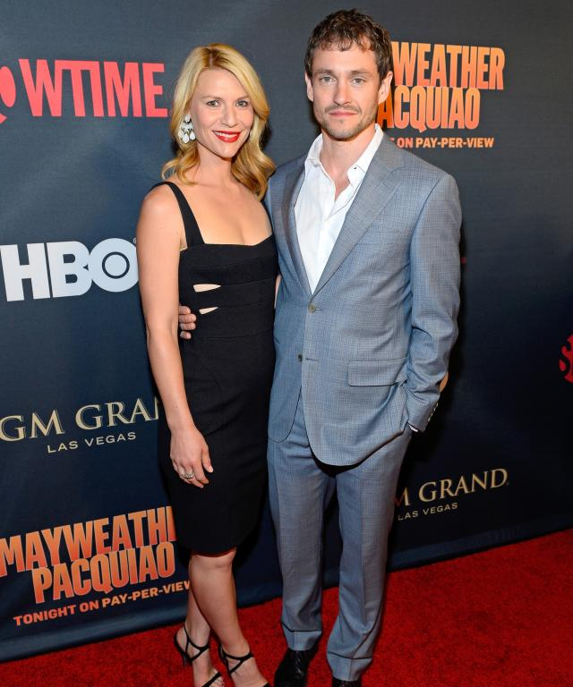 "Actors Claire Danes (L) and Hugh Dancy attend the SHOWTIME And HBO VIP Pre-Fight Party for ""Mayweather VS Pacquiao"" at MGM Grand Hotel & Casino on May 2, 2015 in Las Vegas, Nevada."