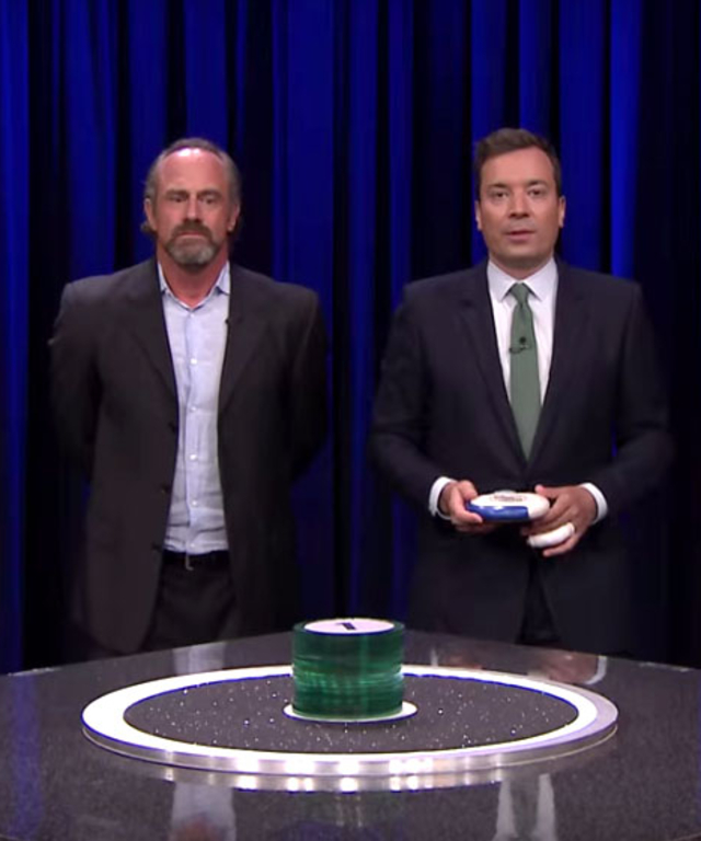 Christopher Meloni and Luke Bryan playing Catchphrase on JImmy Fallon