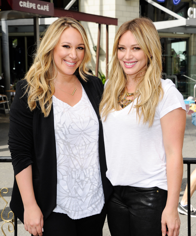 Hilary Duff And Haylie Duff On  Extra