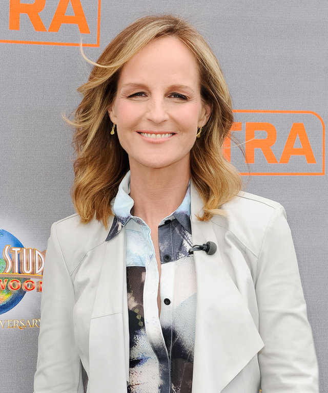 Helen Hunt visits 'Extra' at Universal Studios Hollywood on May 6, 2015 in Universal City, California.