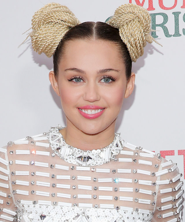 Miley Cyrus attends the 'A Very Murray Christmas' New York Premiere at Paris Theater on December 2, 2015 in New York City. (Photo by Jemal Countess/Getty Images)
