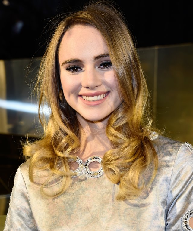 Suki Waterhouse attends the H&M show as part of the Paris Fashion Week.