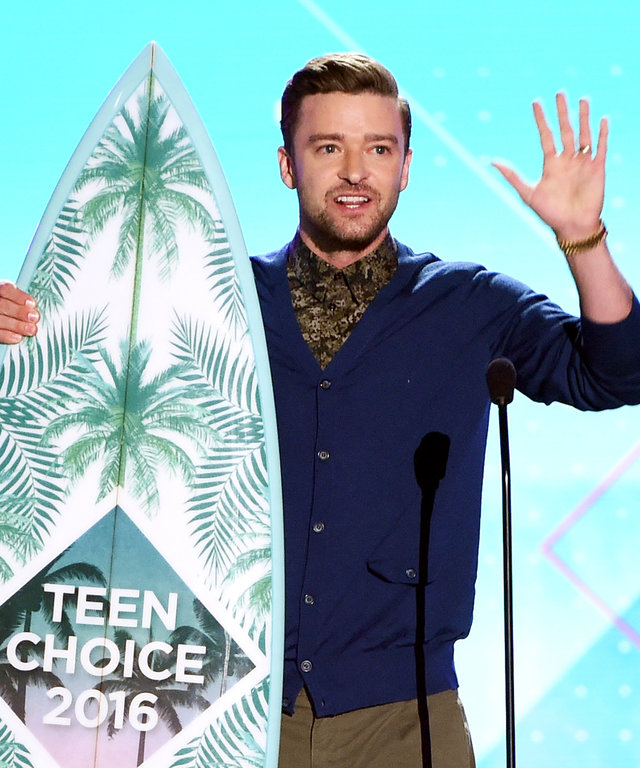 Honoree Justin Timberlake accepts the Decade Award onstage during Teen Choice Awards 2016 at The Forum on July 31, 2016 in Inglewood, California.