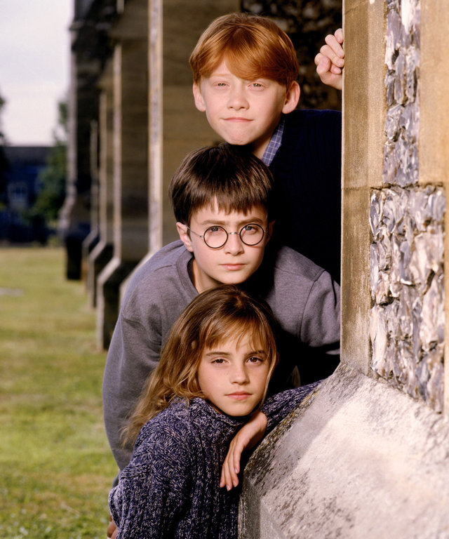 HARRY POTTER AND THE SORCERER'S STONE, from top: Rupert Grint, Daniel Radcliffe, Emma Watson, 2001, © Warner Brothers/courtesy Everett Collection