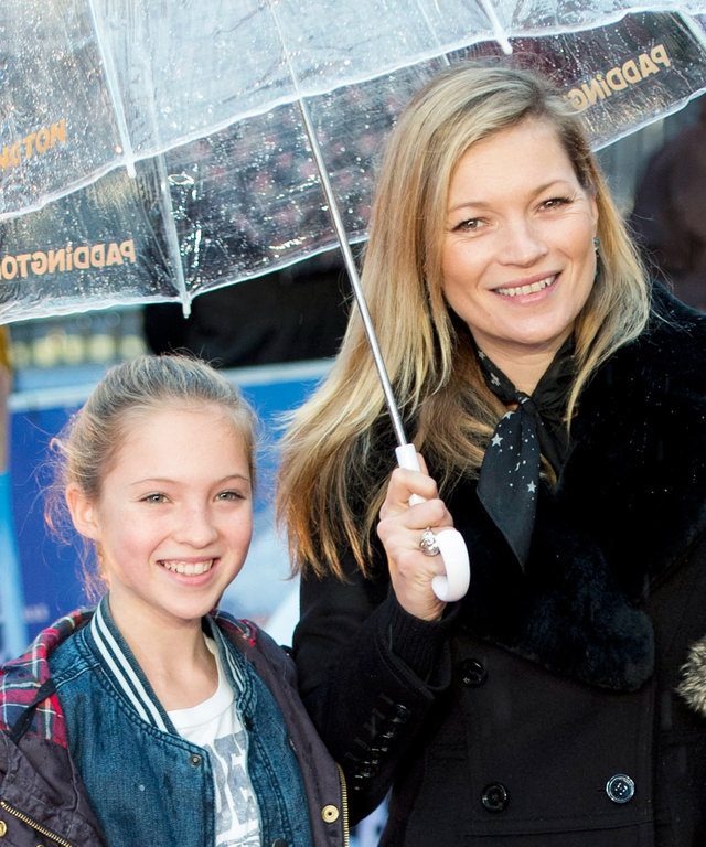Kate Moss and daughter Lila Grace (L) attend the World Premiere of 'Paddington' at Odeon Leicester Square on November 23, 2014 in London, England.