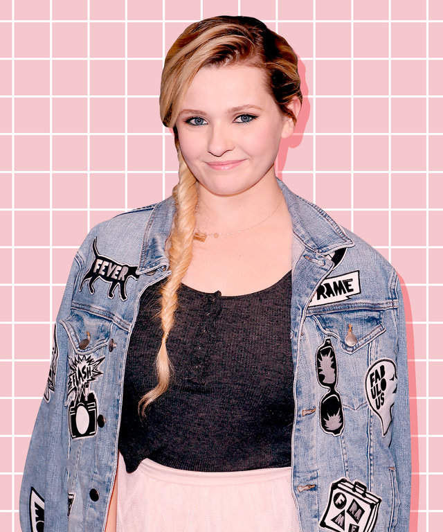 Abigail Breslin - Mother's Day