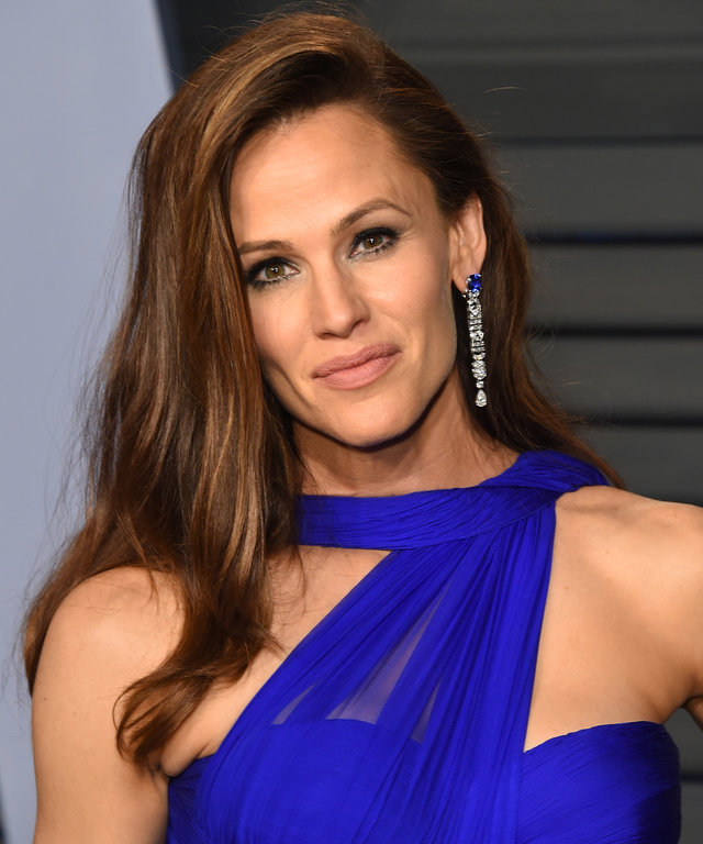 Jennifer Garner lead