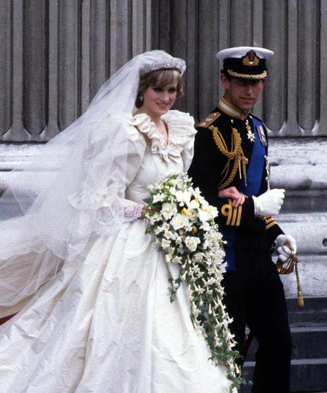LONDON, UNITED KINGDOM - JULY 29:  Diana, Princess of Wales, wearing an Emanuel wedding dress, leaves St. Paul's Cathedral with Prince Charles, Prince of Wales following their wedding on 29 July, 1981 in London, England. (Photo by Anwar Hussein/Getty...