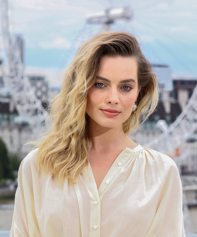 LONDON, ENGLAND - JULY 31: Margot Robbie attends the Once Upon A Time…In Hollywood Photocall in London at The Corinthia Hotel on July 31, 2019 in London, England. (Photo by Tim P. Whitby/Getty Images for Sony)