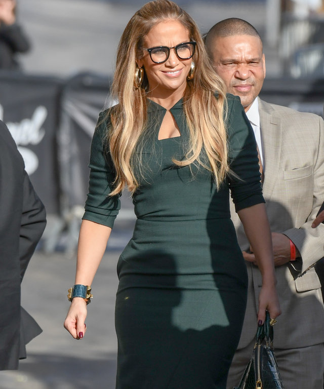 Jennifer Lopez Wears Prive Revaux Blue Light Blocking Reader Glasses The Alchemist