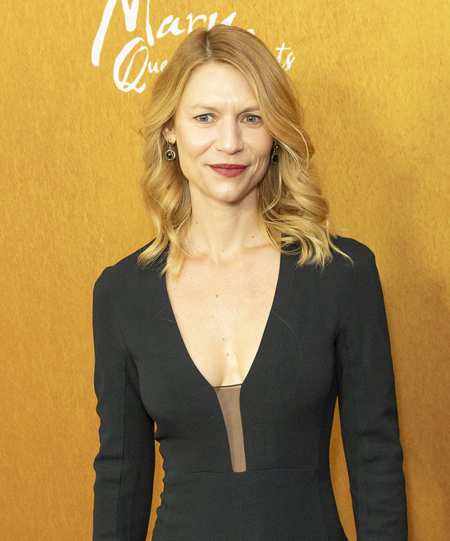 Claire Danes attends the New York premiere of 'Mary Queen Of Scots