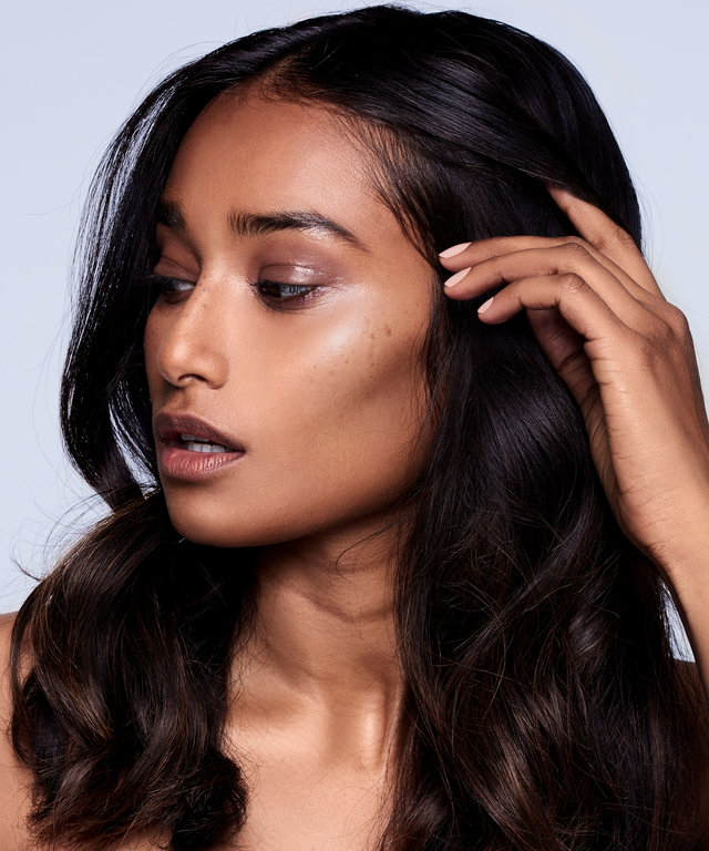 How to Wear Highlighter