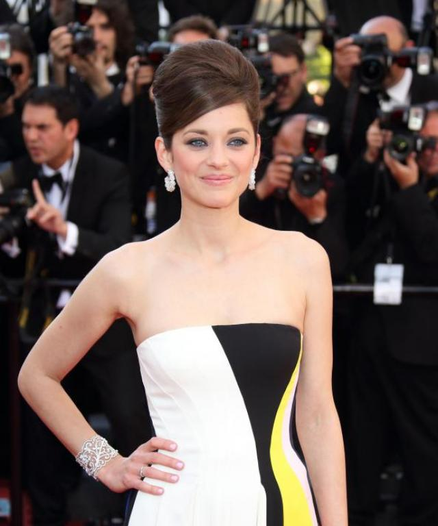 Marion Cotillard in Chopard Jewelry