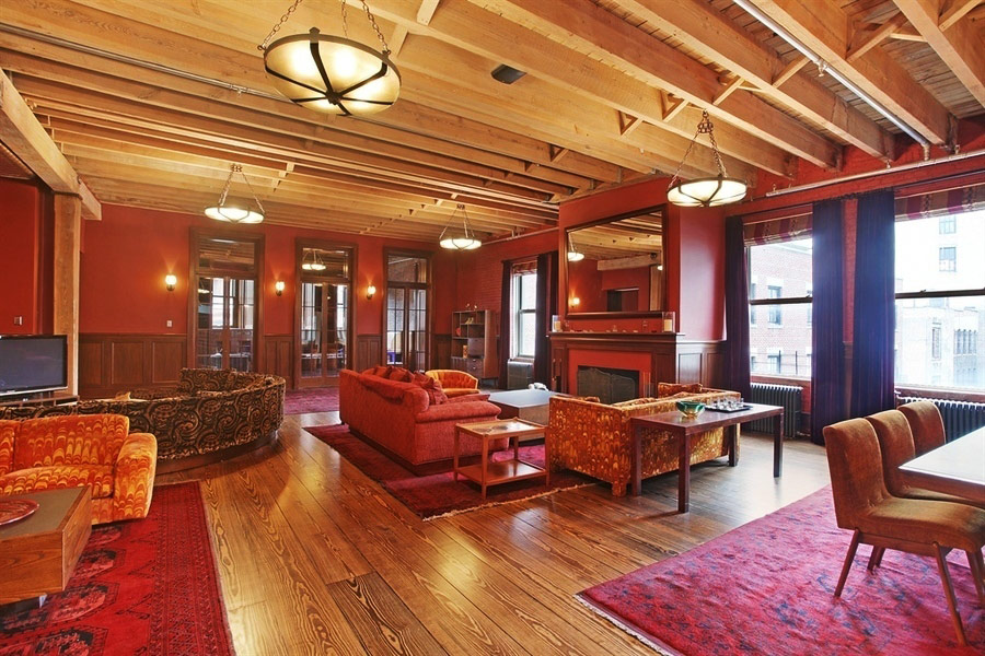 Taylor Swift's New York City Penthouse - The Living Room