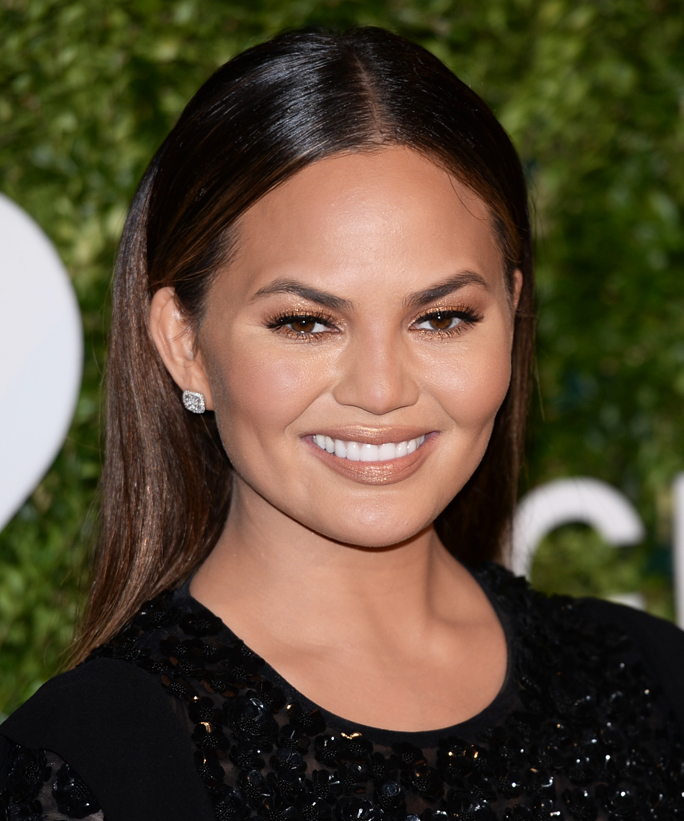 NEW YORK, NY - OCTOBER 17:  Chrissy Teigen attends the 2016 God's Love We Deliver Golden Heart Awards dinner at Spring Studios on October 17, 2016 in New York City.  (Photo by Andrew Toth/FilmMagic)
