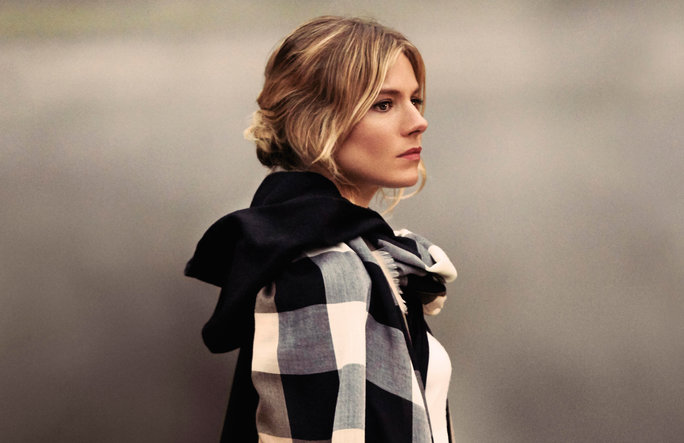 Burberry Holiday Ad Campaign 4