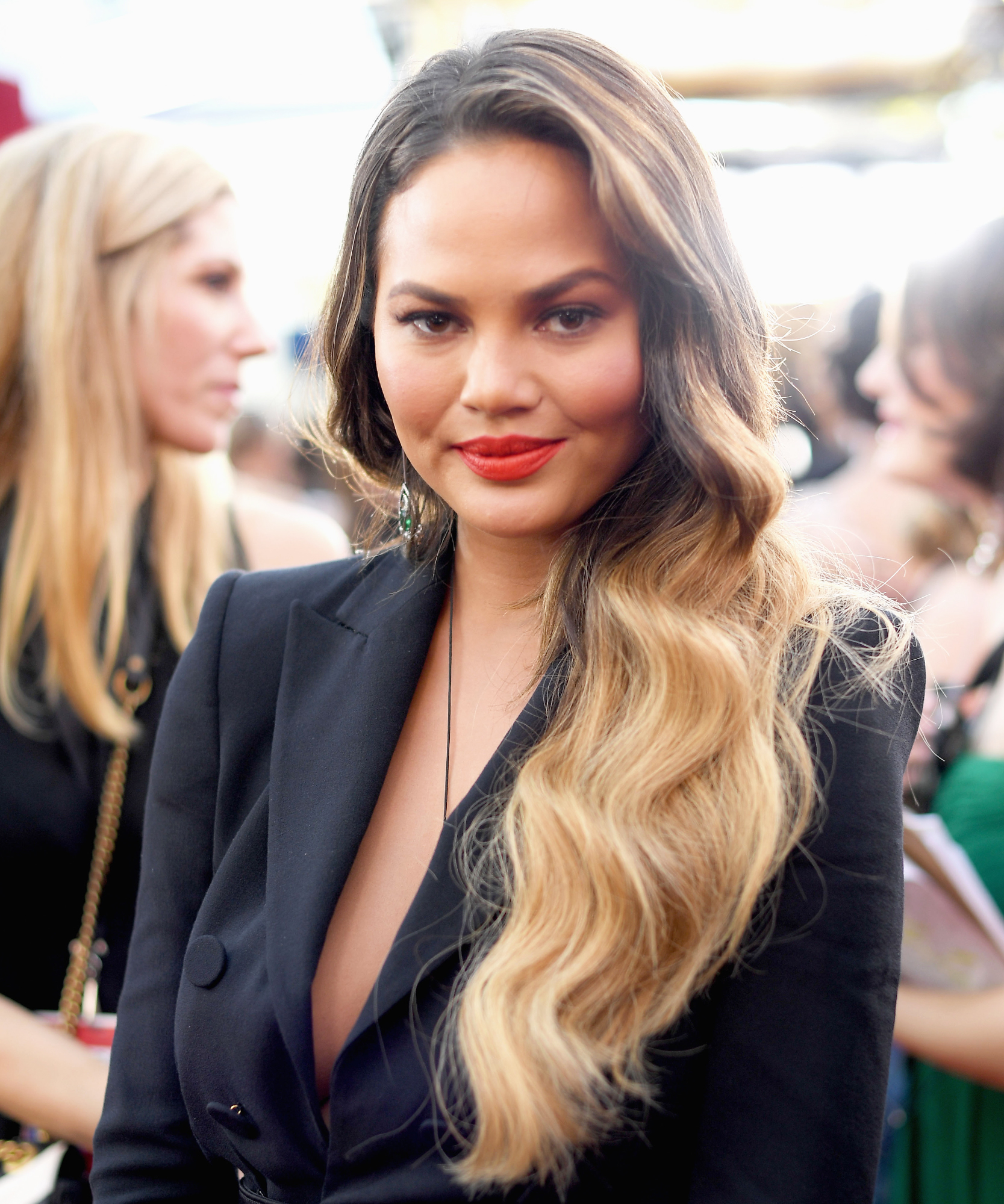 SAG 2017 Chrissy Teigen Getting Ready - Lead 2017