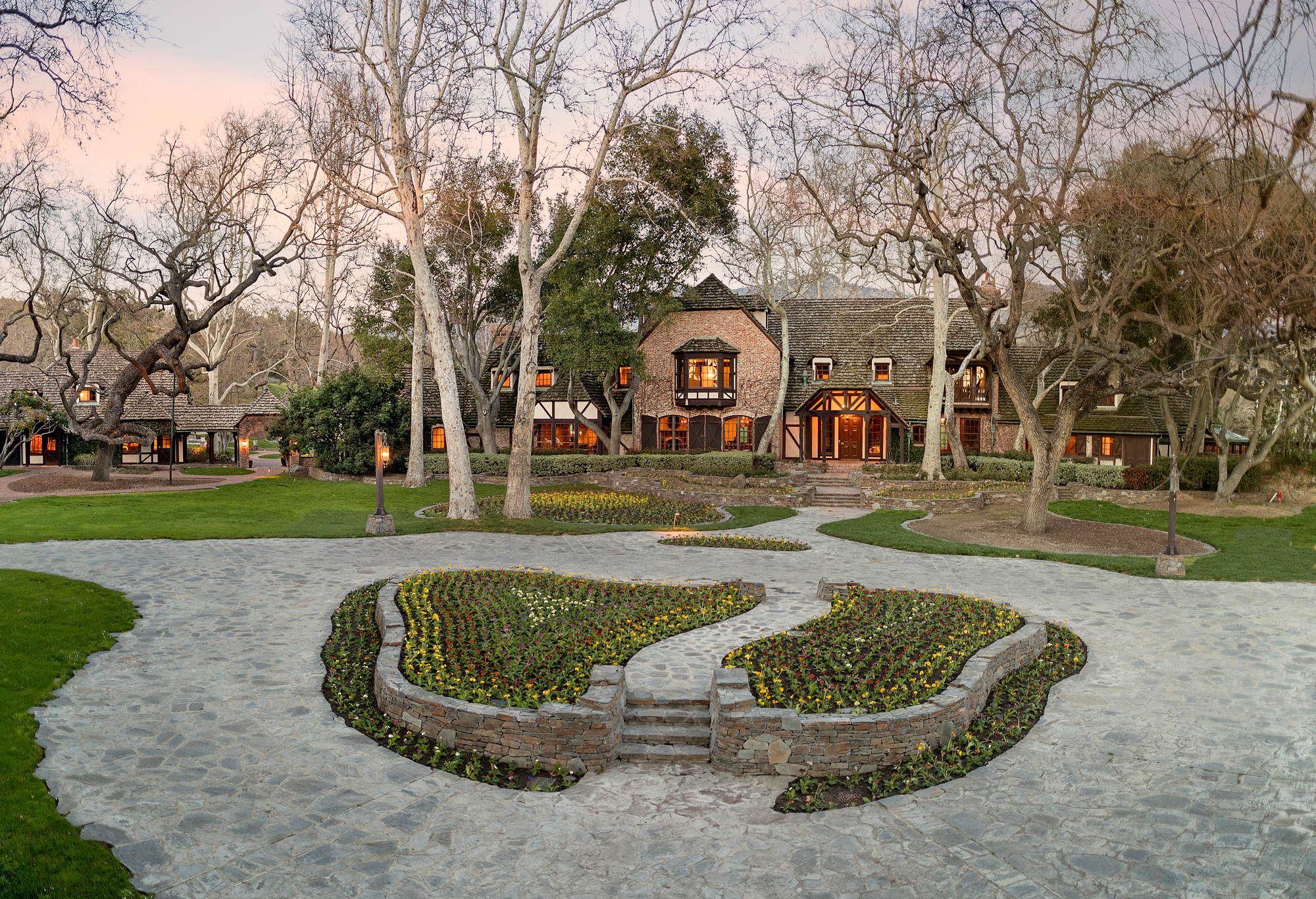 Neverland Ranch - LEAD