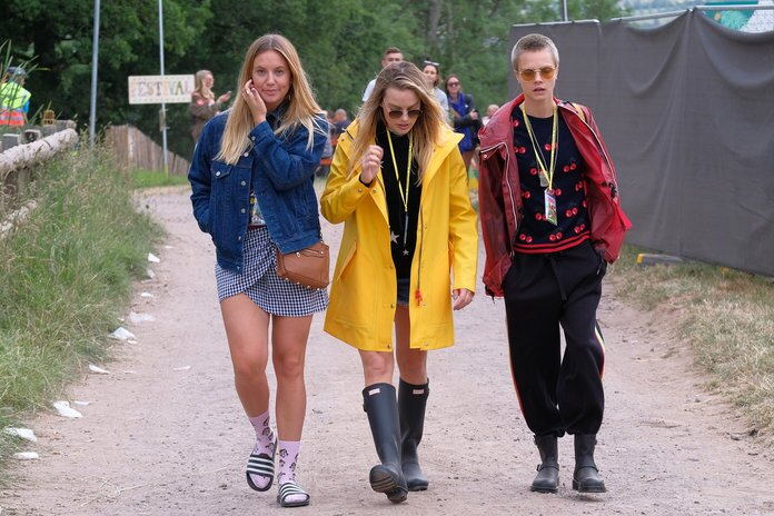 c98cf328a1b Glastonbury Fashion  Festival Outfit Inspiration From The ...
