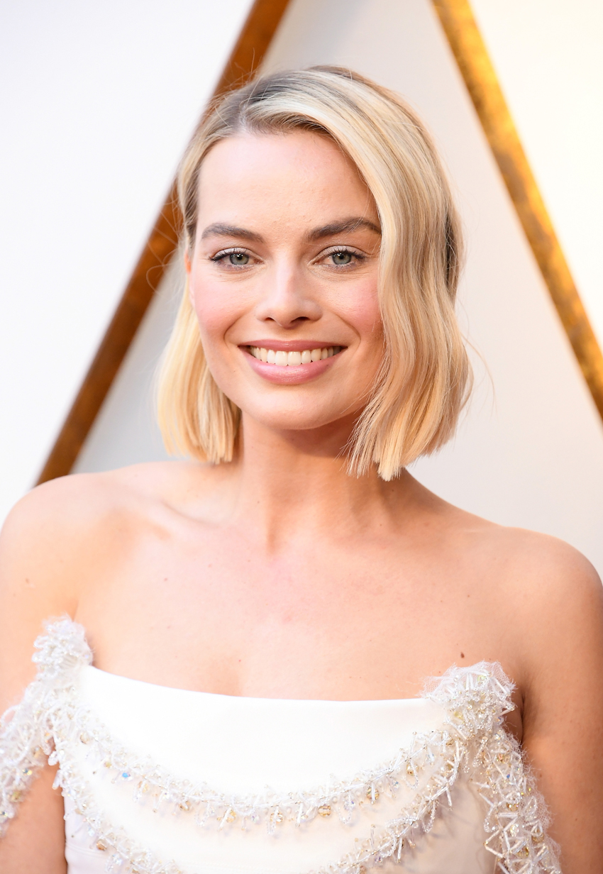 Margot Robbie Oscars Haircut - Embed
