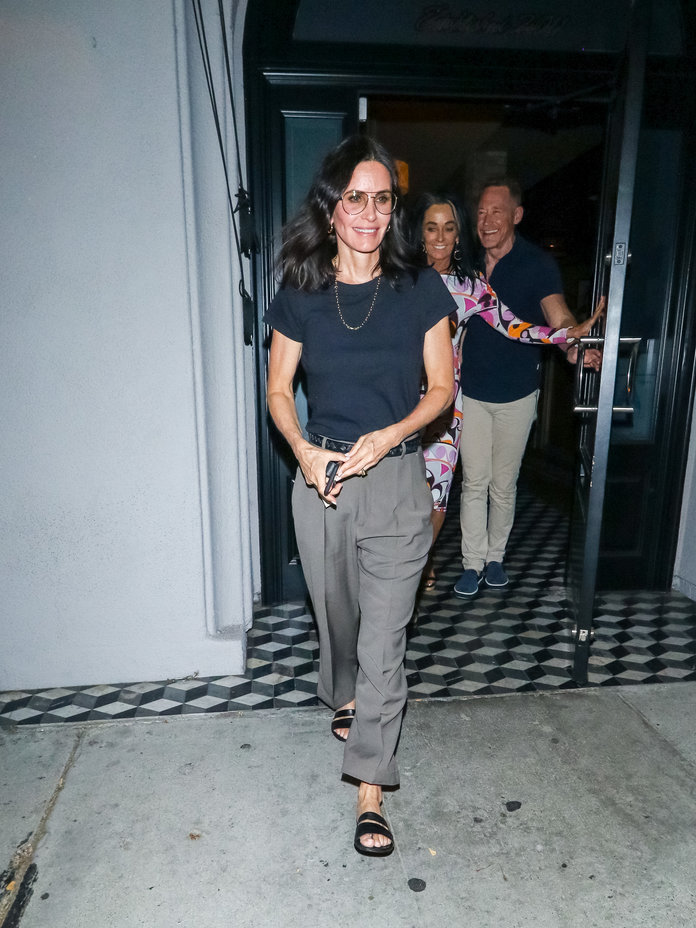 Courteney Cox 90s Outfit