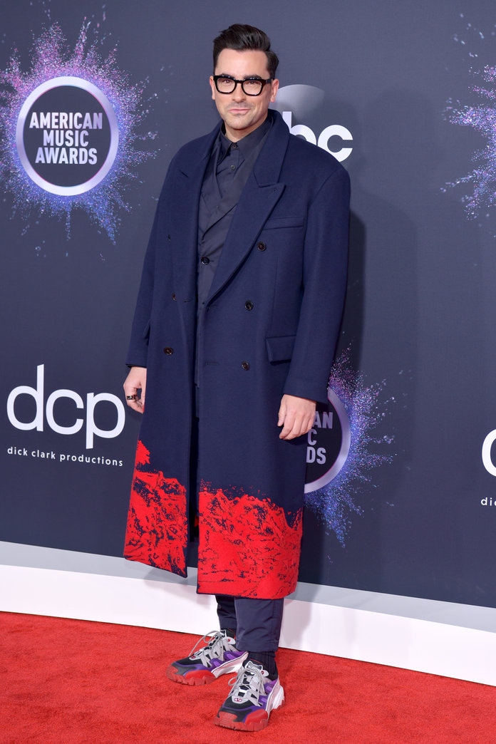 Dan Levy at the AMAs 2019
