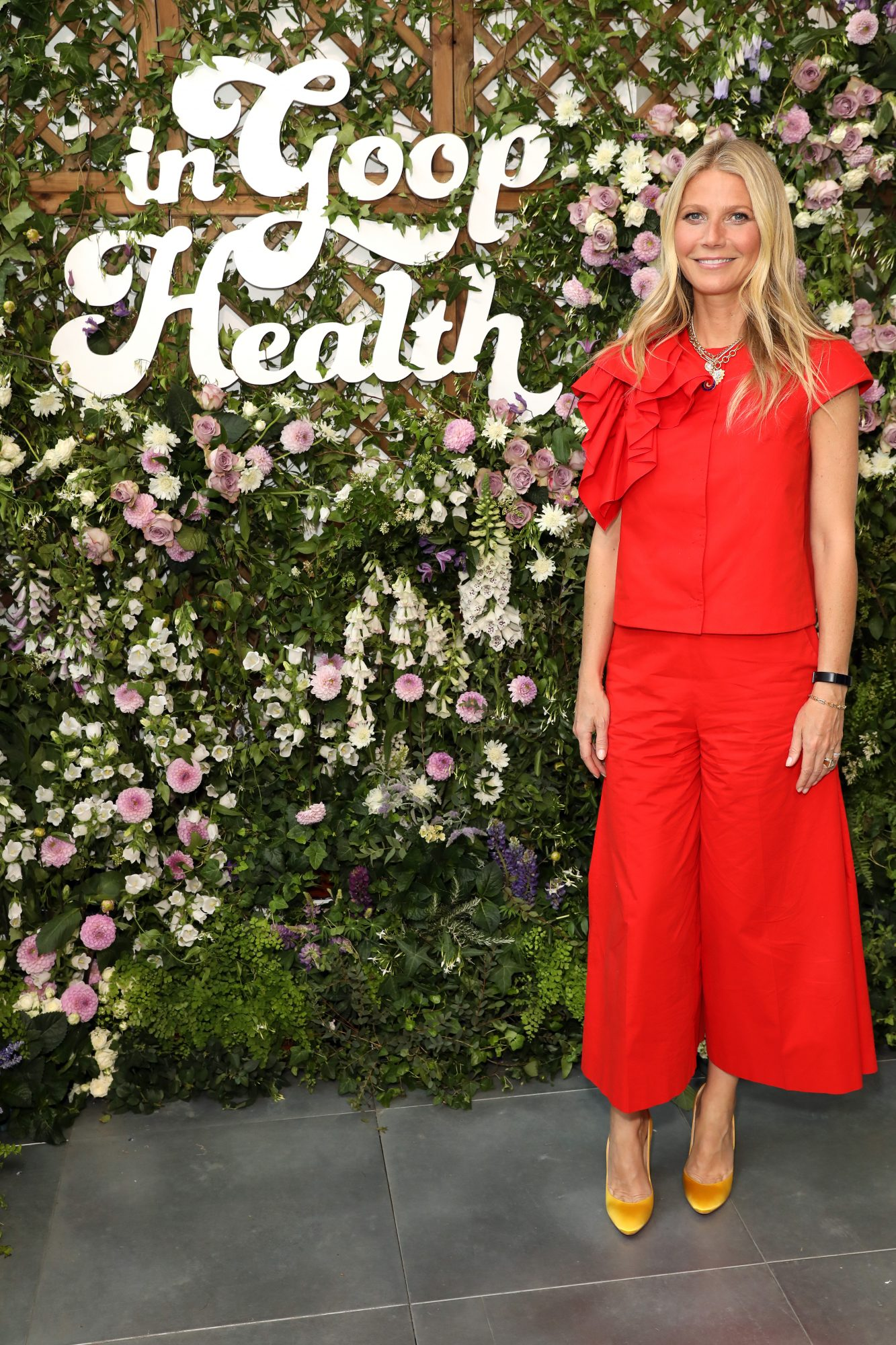 Gwyneth Paltrow Wears Fitbit Inspire HR
