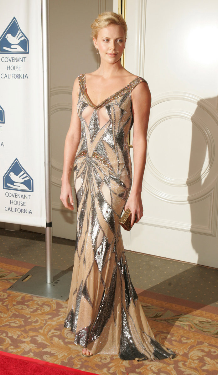 Charlize Theron at the 2004 Covenant House California's Youth Awards Dinner Gala