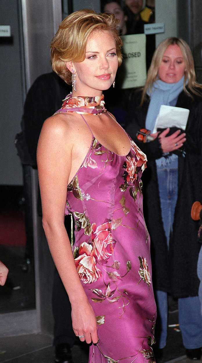 Charlize Theron at The Legend Of Bagger Vance New York premiere 2000