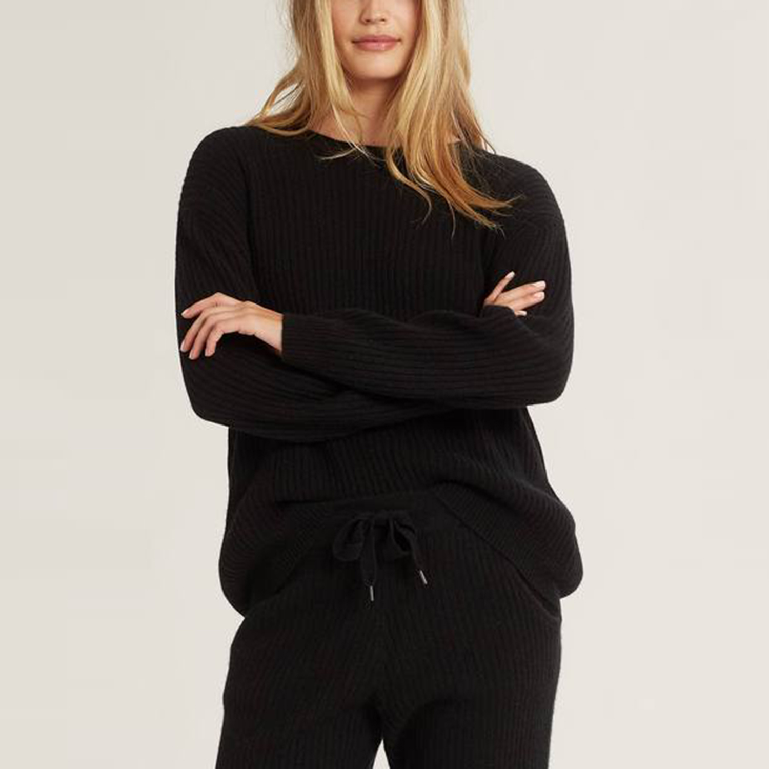Campbell Cashmere Crew Pullover Sweater in Black