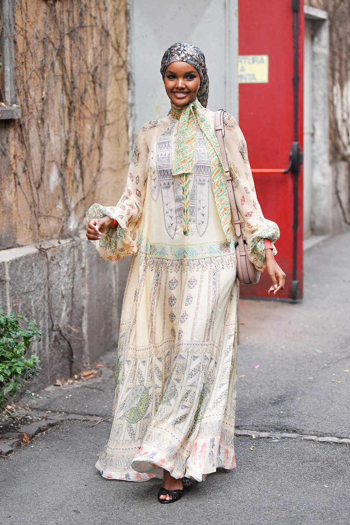printed dress, halima aden, street style outfit idea, spring 2020