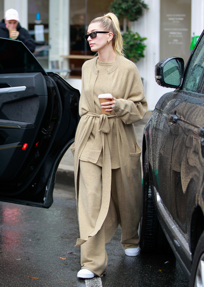hailey baldwin's matching sweater set, best fashion trends 2020, matching cardigan and top outfit