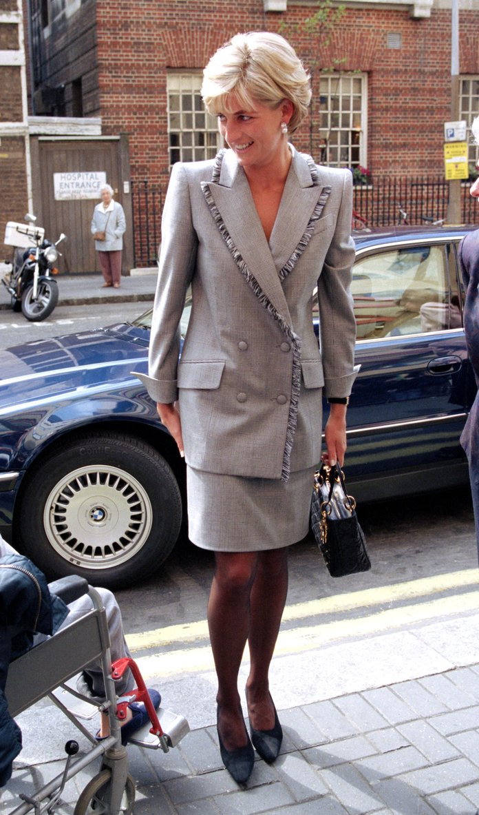Princess Diana Outfits, Styling Tricks, Gray Skirt Suit