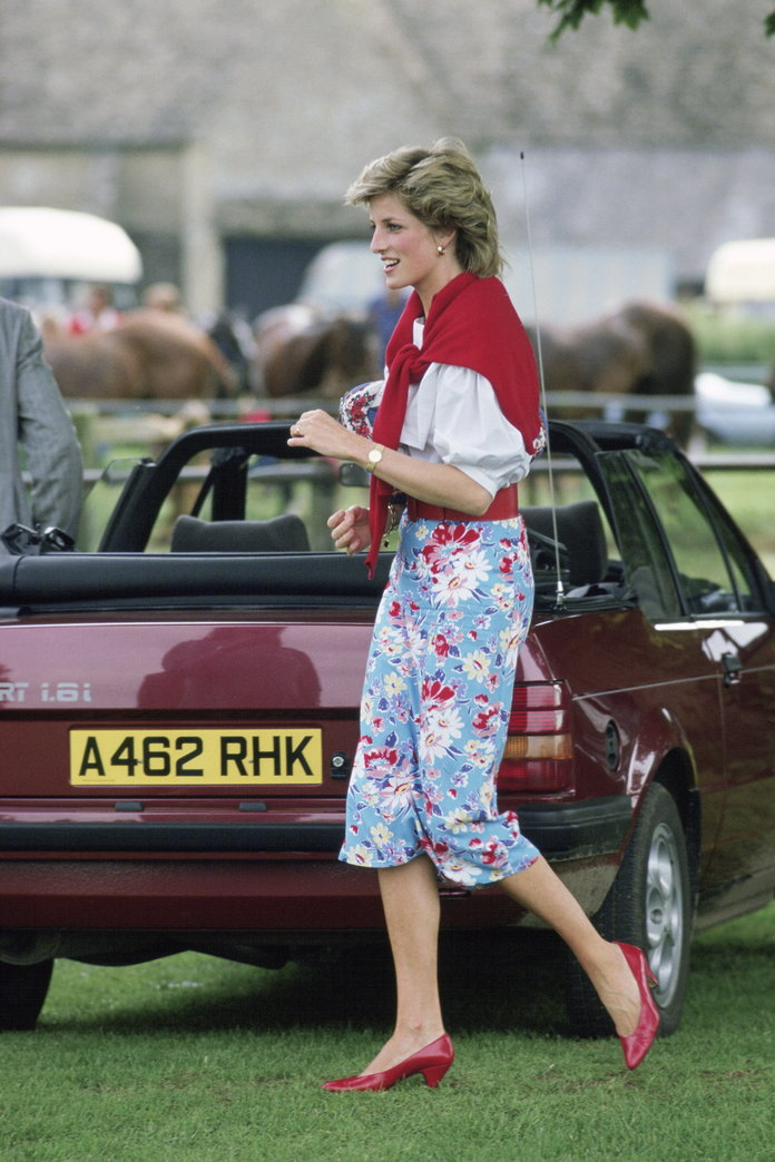 Princess Diana Outfits, Styling Tricks, Floral Skirt