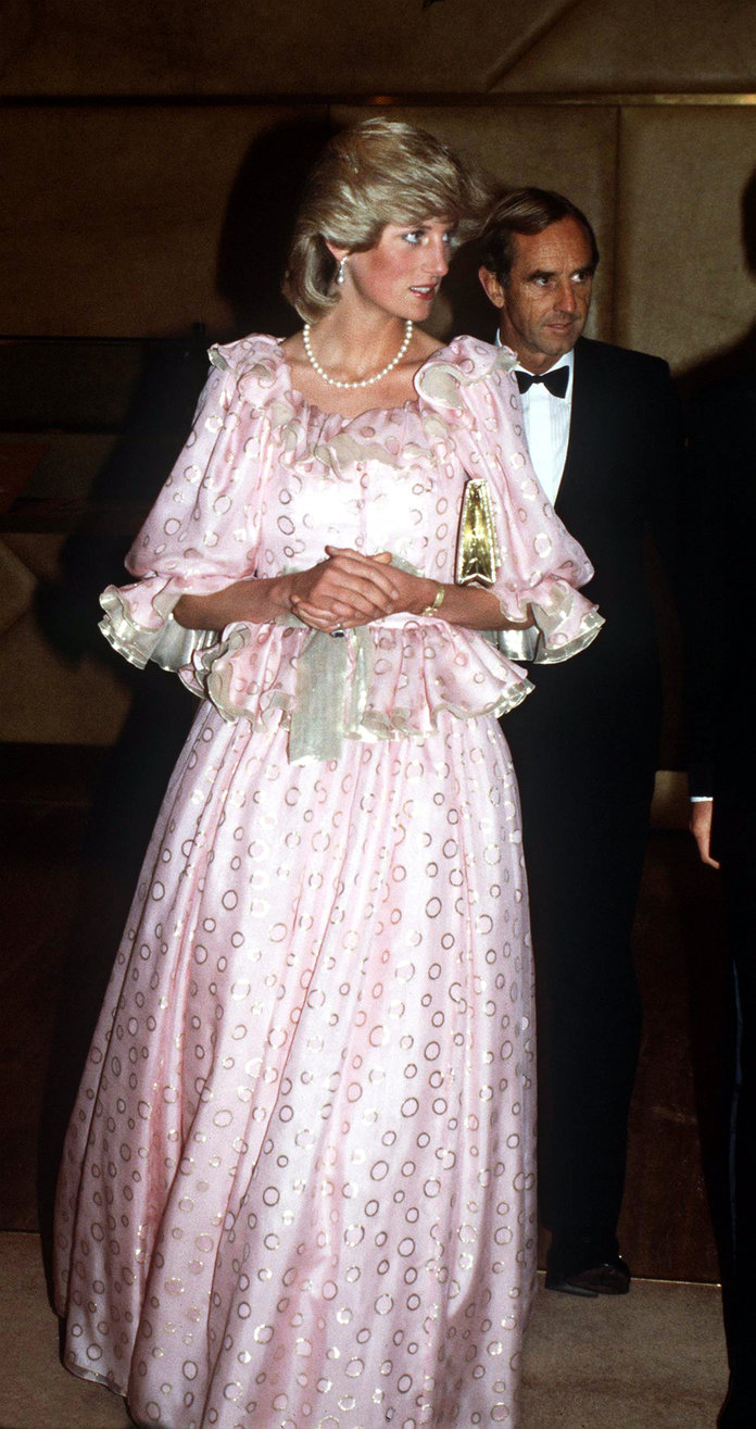 Princess Diana Outfits, Styling Tricks, Pink Ruffled Gown