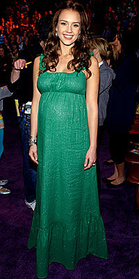 Jessica Alba, Corey Lynn Calter, maternity style, green dress, celebrity style