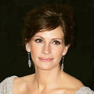 Julia Roberts Signs with Lancome