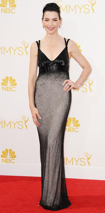 Julianna Margulies in Narciso Rodriguez