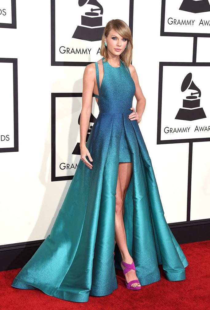 Taylor Swift in Elie Saab