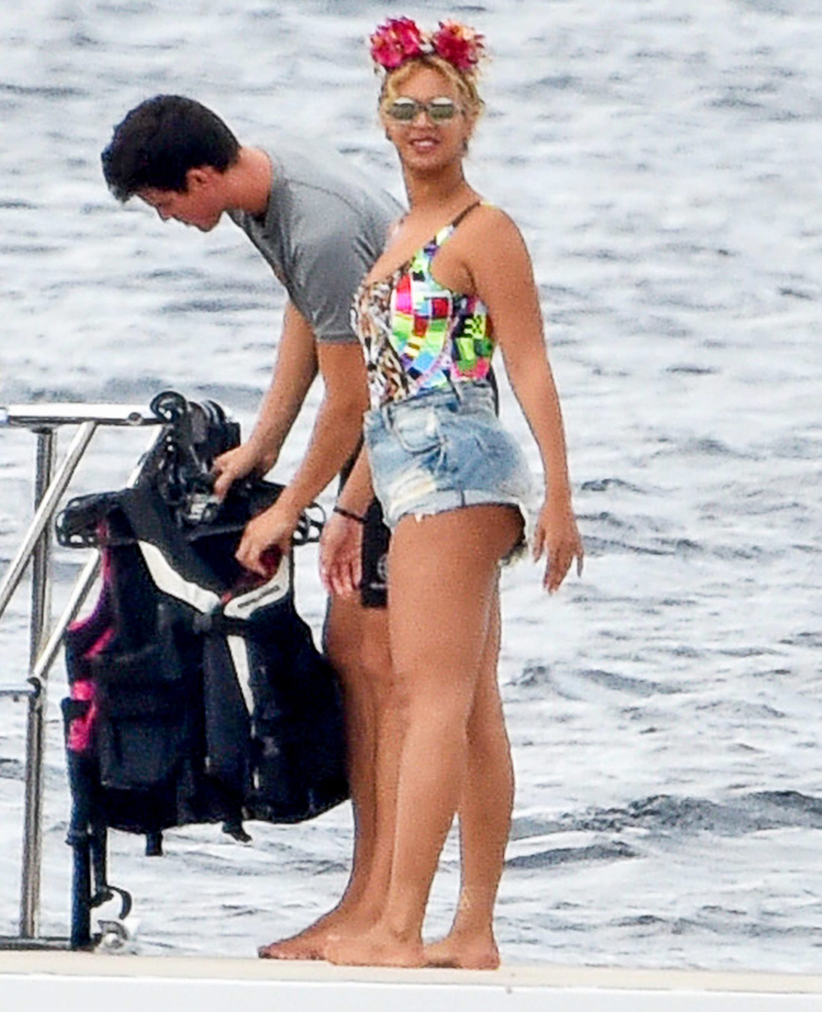 BeyoncÈ enjoys a jet ski ride in Italy **USA ONLY**