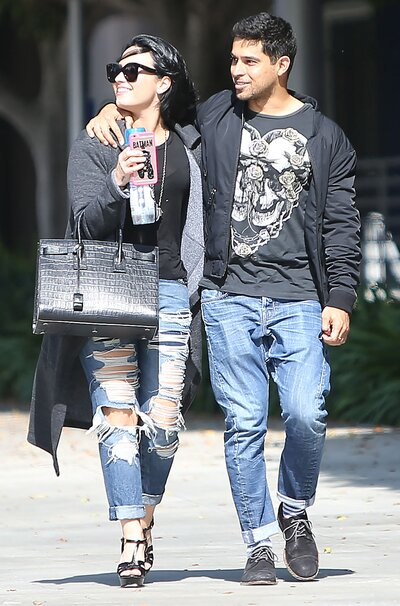 Demi Lovato And Wilmer Valderrama Wear Matching Outfits Instyle Com