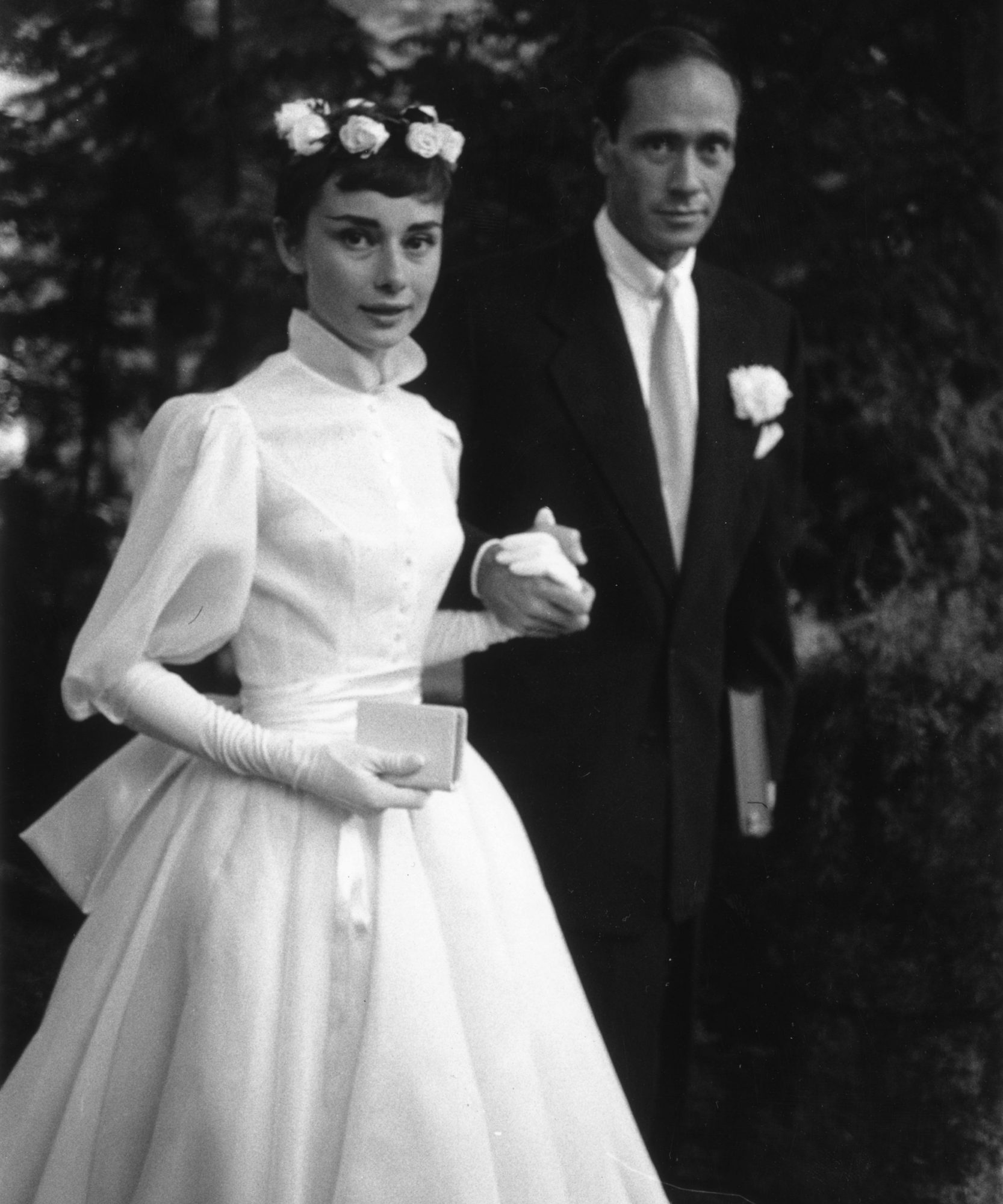 Celebs with Long Sleeved Wedding Dresses Lead